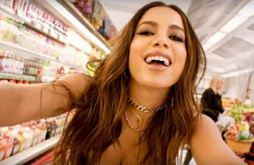Anitta Libera o Clipe do Single Vai Malandra, com Mc Zaac e Maejor