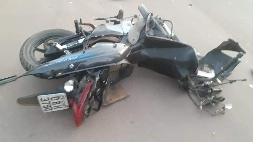 Motoqueiro morre após bater de frente com S-10; veja as fotos 3