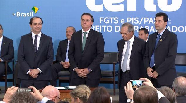 """Presidente muda data para saque do FGTS e anuncia """"saque aniversário""""; saiba tudo 2"""
