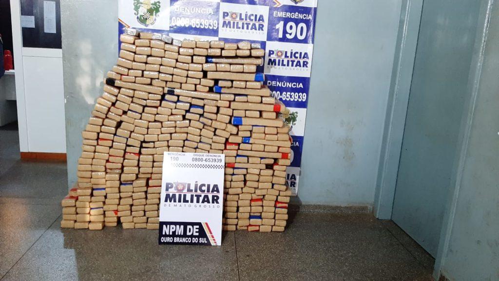 Cerca de 400 kg de droga são encontrados em patrulha rural