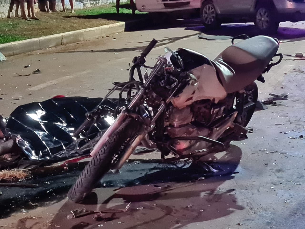 Jovem motociclista de 19 anos perde a vida em acidente 14