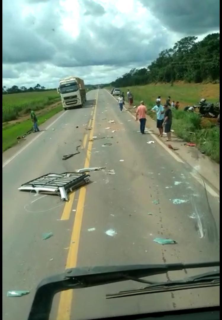 Colisão violenta entre camionete e carreta mata empresário na BR-163 11