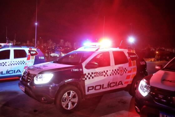 TRAGÉDIA: Mulher é morta com 16 facadas na frente da mãe 3