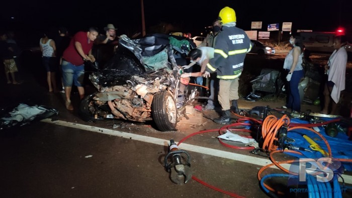 Colisão entre dois veículos deixa mortos na BR 163 14