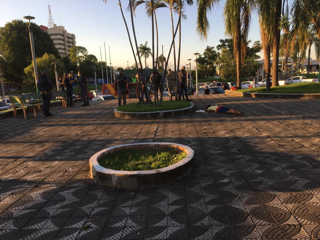 URGENTE: jovem é morto a facadas, em praça no centro de Sinop 6