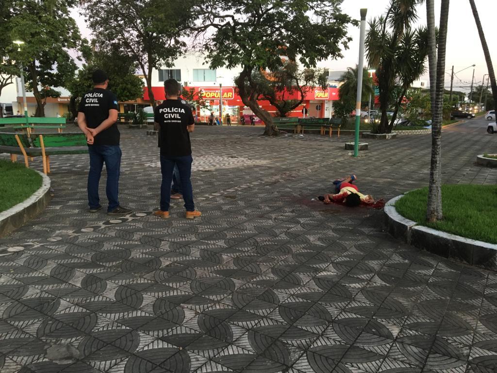 URGENTE: jovem é morto a facadas, em praça no centro de Sinop 8