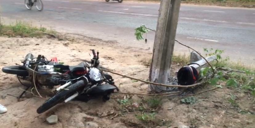 Após perseguição policial, jovem bate em poste e morre 4