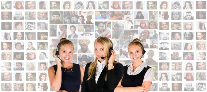 três mulheres atendente de marketing