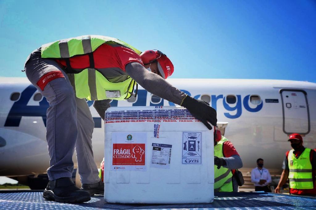 Mato Grosso recebe 100.860 doses da vacina contra a Covid-19
