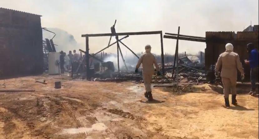 URGENTE: Incêndios de grandes proporções causam pavor na população sinopense 16