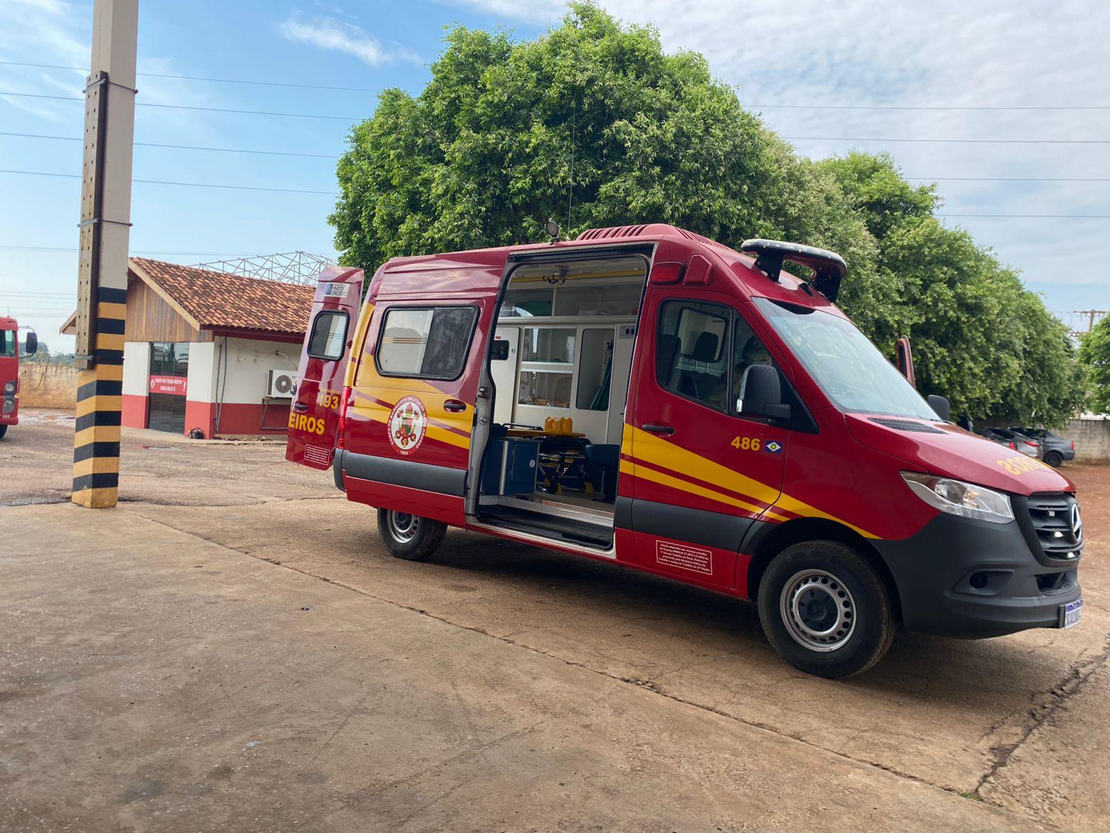 Bombeiros recebem nova ambulância para atendimentos pré-hospitalares 5